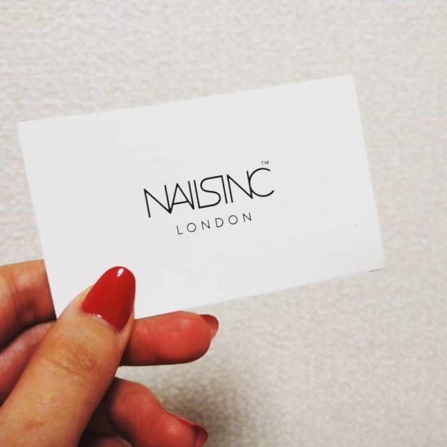 【 🌷 LIFESTYLE 🌷 】 NAILS INC( nailsinc.jp )さんでエクスプレスマニキュアのサービスを受けました✨ ソロウェディング用の赤ネイル♡ . 大好きなあゆのMADE IN JAPANツアーでの赤ネイル×ドレスを真似したくて💕💅✨ ちゅるちゅるツヤツヤの赤ネイルに仕上げていただき、撮影もばっちりでした◎ 赤ネイルってムラやヨレが目立ちやすいと思うのですが、めちゃくちゃキレイに仕上げていただいて感動しました😂💖 伸ばしてたのに直前で欠けた指の爪ともバランスが合うように、長さを揃えてもらえてありがたかったです! . 当日予約制で、単色¥2,300+taxはお得すぎるなと感じました♡ +¥500で1色ごとの追加も可能! ネイルズインクで気になるカラーがあるときにお試し感覚でお願いするのもいいかも✨ . プロの方にお願いすると、仕上がりも綺麗だし、セルフイメージも上がっていいことばかり♡ . #mnmライフスタイル #ライフスタイル #ネイルズインク #NAILSINC #ネイルサービス #エクスプレスマニキュア #マニキュア #赤ネイル #ソロウェディング準備 #ソロウェディング #美容 #美活 #女子力 #女子力向上 #女子力向上委員会 #ネイルケア #ネイル #単色ネイル #はたらくmuse #マイナビウーマン mynaviwoman_official